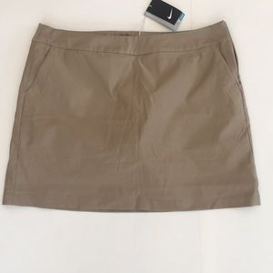 New Woman's Nike Dri Fit Golf Skirt